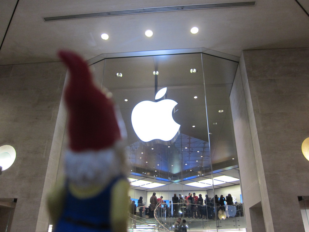 Little known fact: Gnomes love Apples.