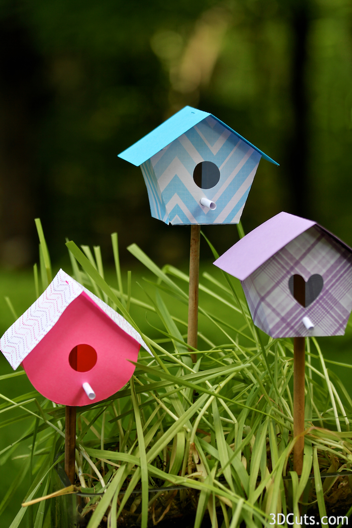 3d Bird House cutting files by 3dCuts.com, Marji Roy designs 3D cutting files in .svg, .dxf, and .pdf formats for use with Silhouette and Cricut cutting machines, paper crafting files, complete tutorial included