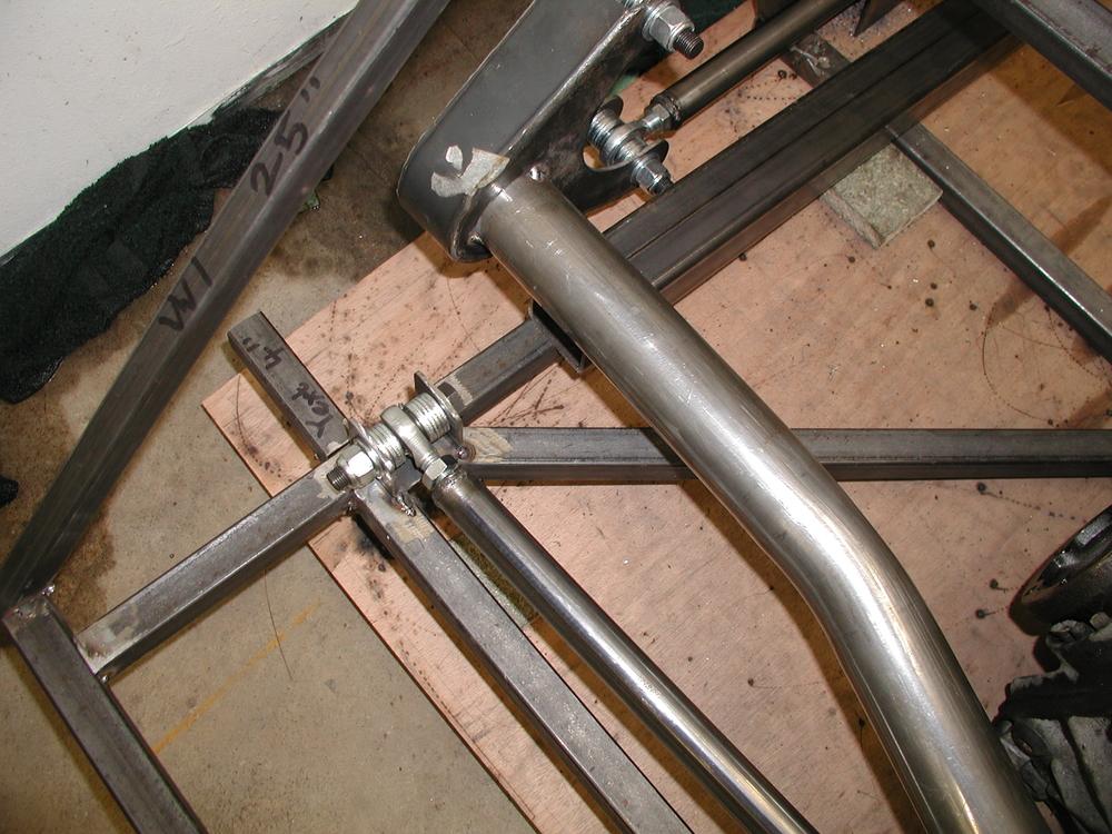 Panhard rod chassis mounting bracket