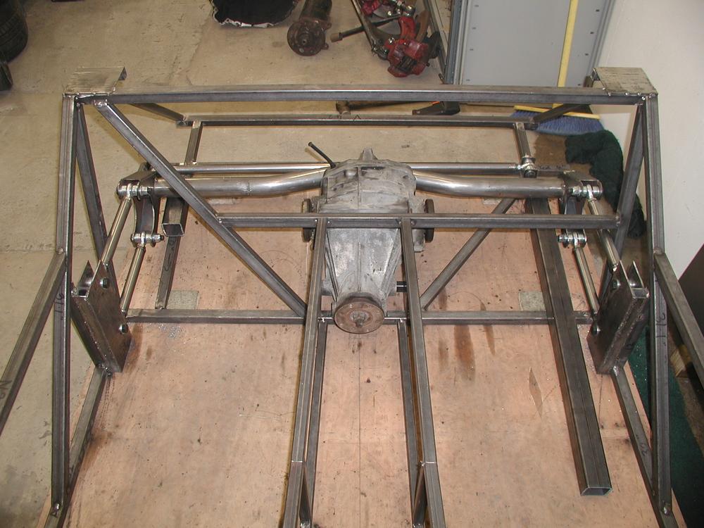 Front view of rear axle arrangement