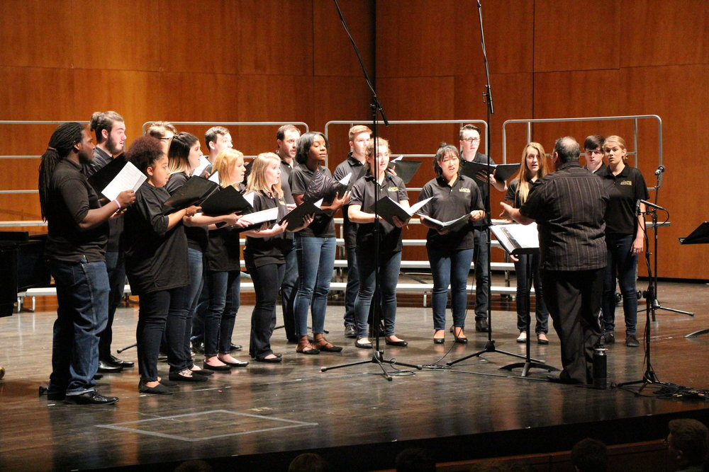 A mixed ensemble sing during the 2017 Fall Acappellooza session under the direction of Jim Henry. Photo by Dave Revelle