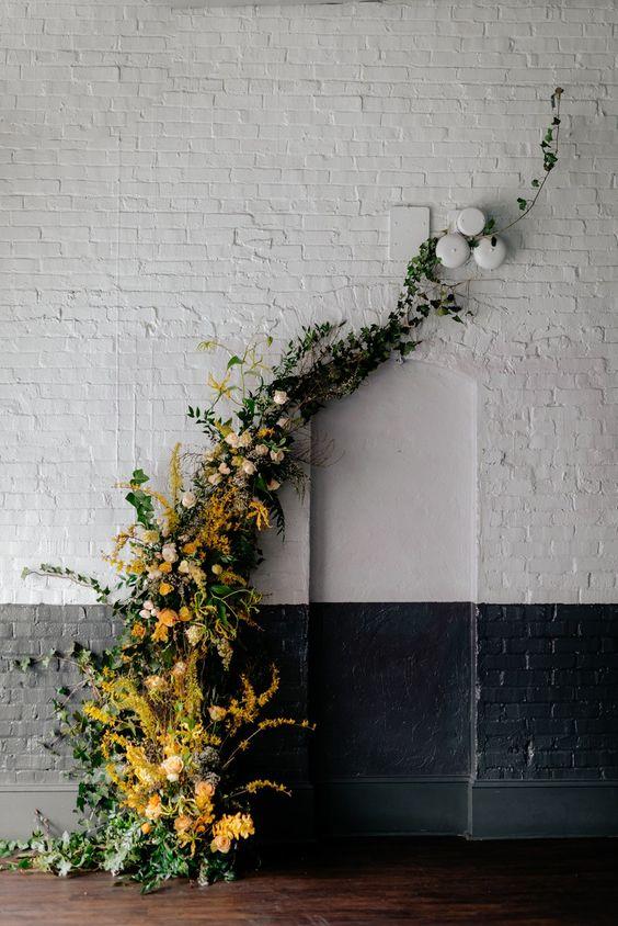 image source: https://www.brides.com/gallery/fall-wedding-decor-ideas