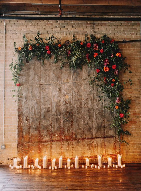 image source:https://www.bridesofaustin.com/blog/12-ridiculously-incredible-wedding-altars-from-the-springsummer-2017-issue/