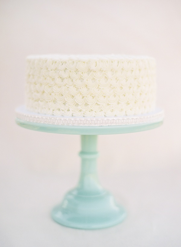 single layer wedding cakes–a sweet start