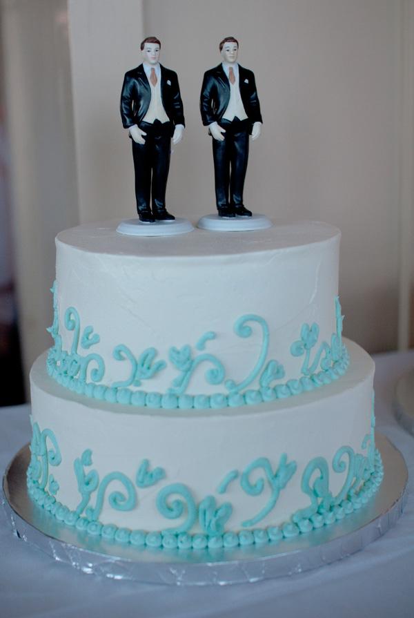 Dean + Marszalek cake.jpg