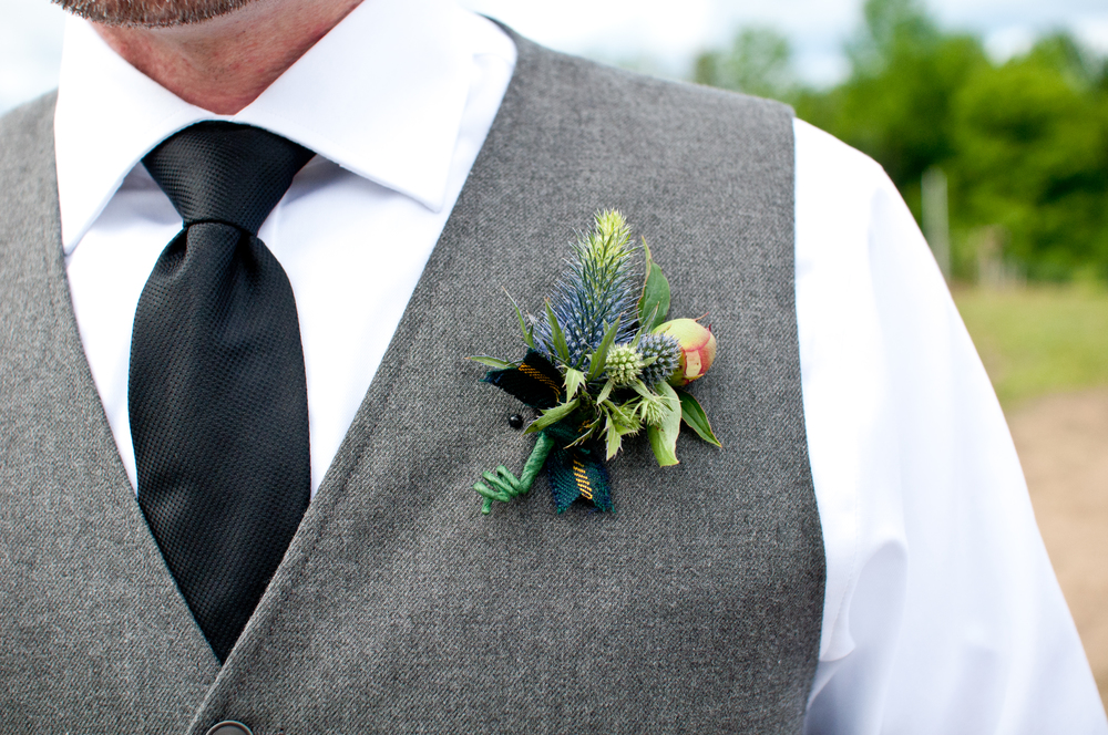 10 things to know about affixing boutonnieres | photo by A Sweet Start