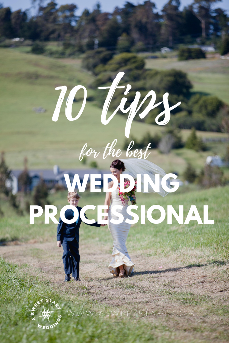 10 tips for the best wedding processional ever from an experienced wedding officiant who has seen it all! Photo by  Erin Little Photography