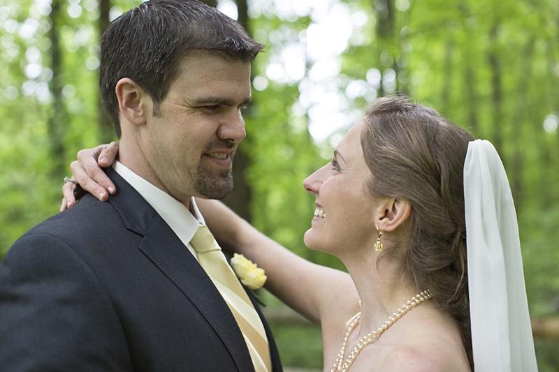 Barefoot-bride-yellow-outdoor wedding_0028.jpg