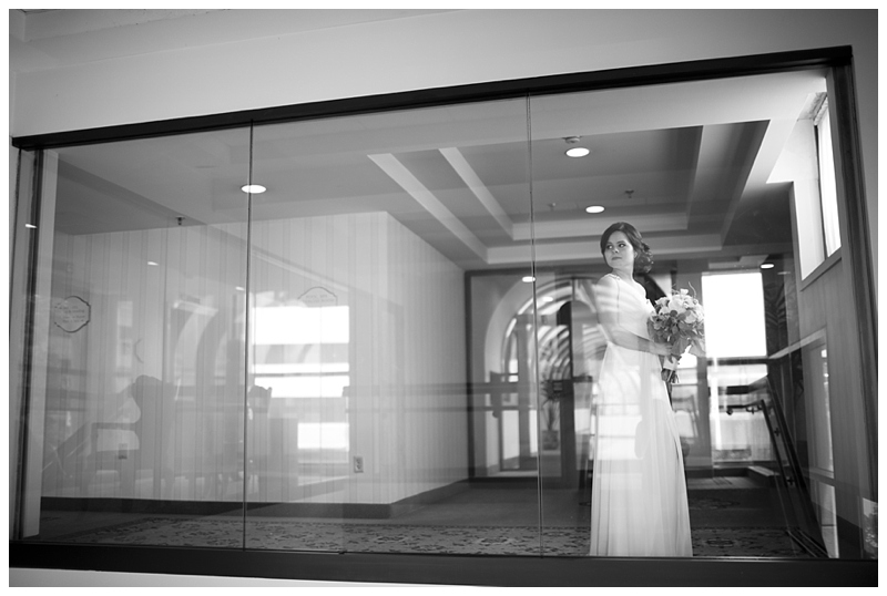 We took her bridal portrats in the McKinley Grand Hotel, such a pretty place, we had way too much fun :)