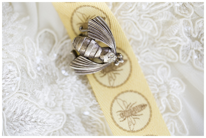 Her bee pin for her bouquet, very cute!