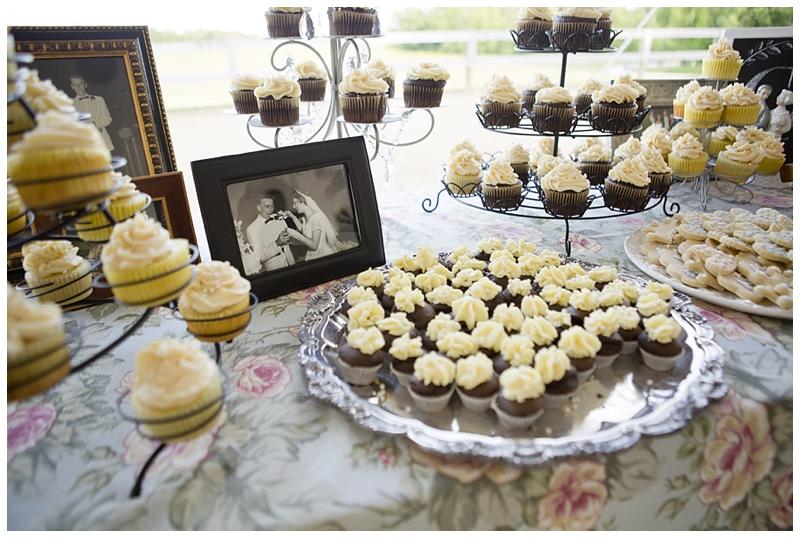 dessert table.jpg