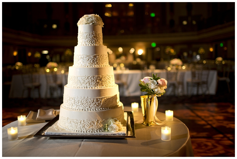 This cake is 100% perfection...look at that piping!