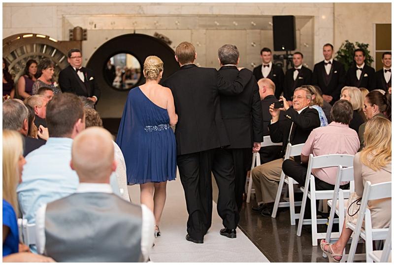 The Vault Fun Columbus Wedding037.jpg