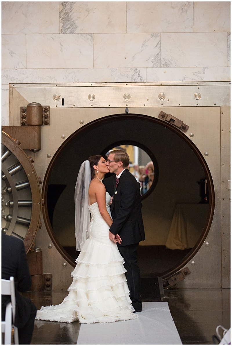 The Vault Fun Columbus Wedding045.jpg