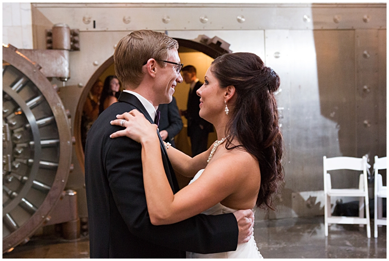 The Vault Fun Columbus Wedding081.jpg
