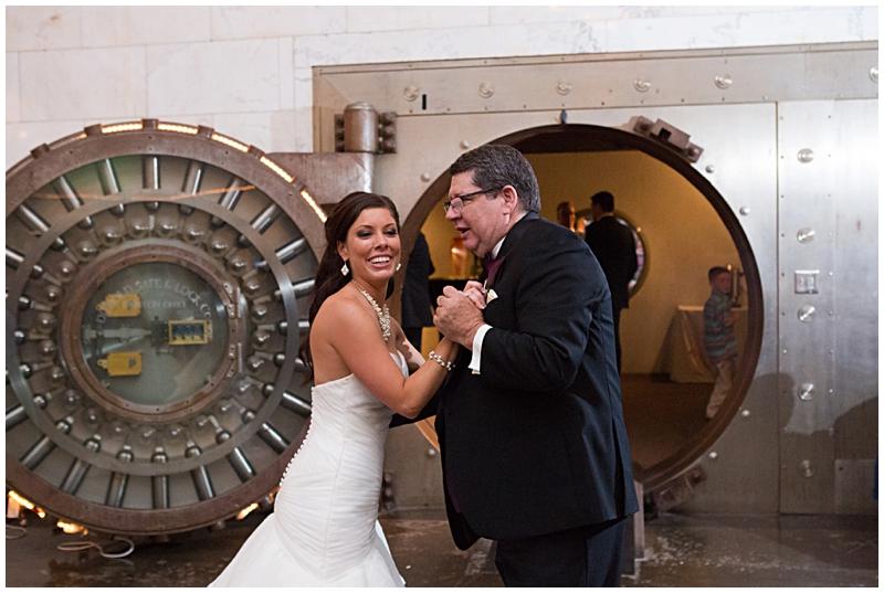 The Vault Fun Columbus Wedding084.jpg