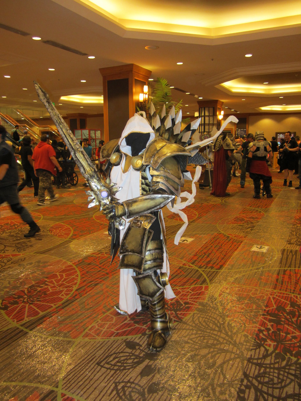Awesome Tyrael cosplay spotted near the convention registration.