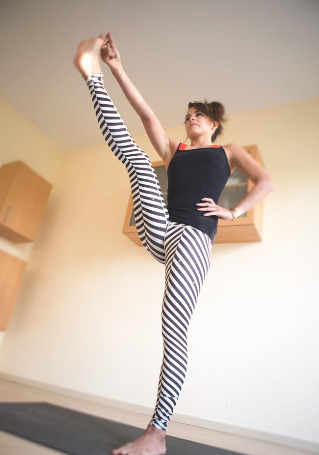 Wet yoga pants pics