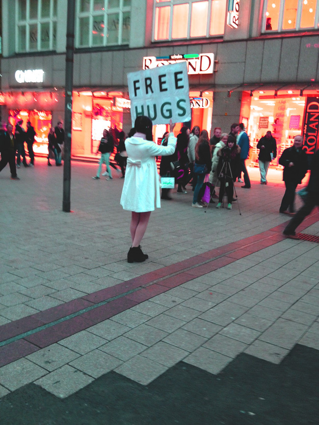 Free Hugs in Hamburg