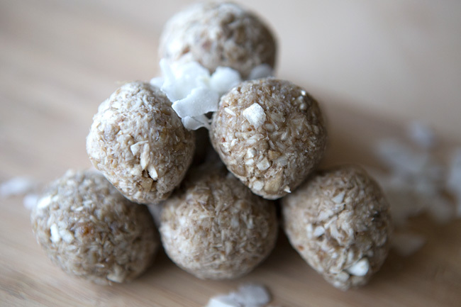 3 ingredient coconut energy bites