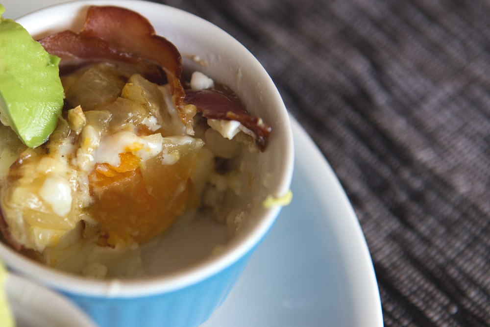 Pin it! Bacon and eggs breakfast cups