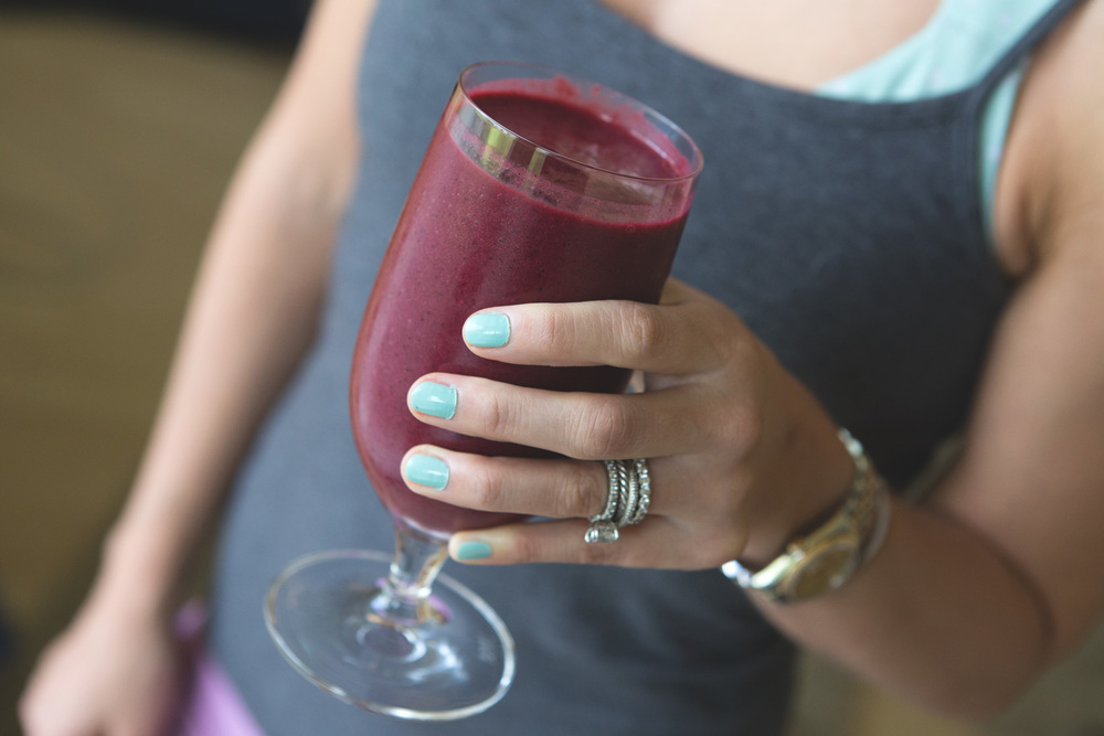 CranBerry smoothie recipe. Wearing: Mint candy apple Essie Polish