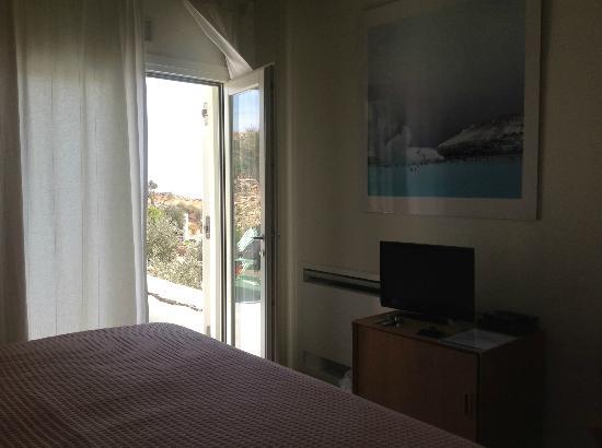 kamaroti-suites-hotel-3.jpg