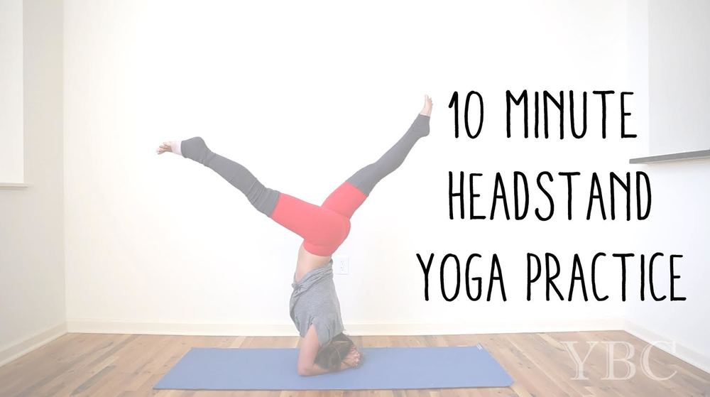 Pin now, practice later! 10 min headstand yoga practice video Wearing: alo yoga pants, kale t-shirt. Using: Jade yoga mat.