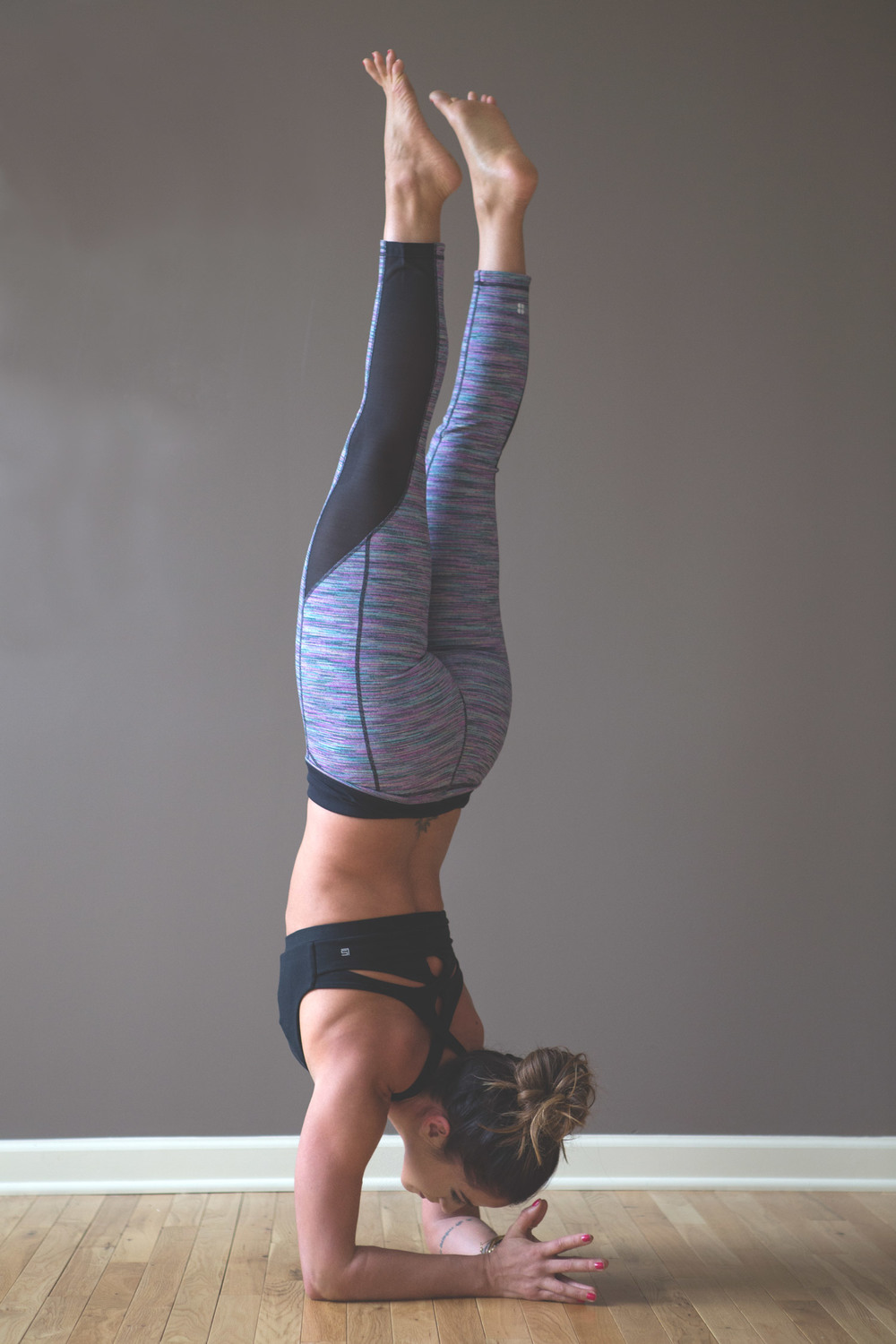 Forearm stand Wearing: Sweaty Betty pants, Lanston bra