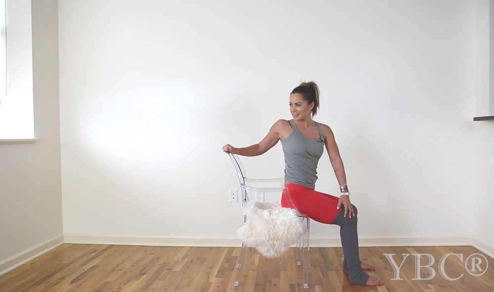 Pin now, practice later - chair yoga sequence Wearing: alo yoga pants. Using: chair, faux sheepskin