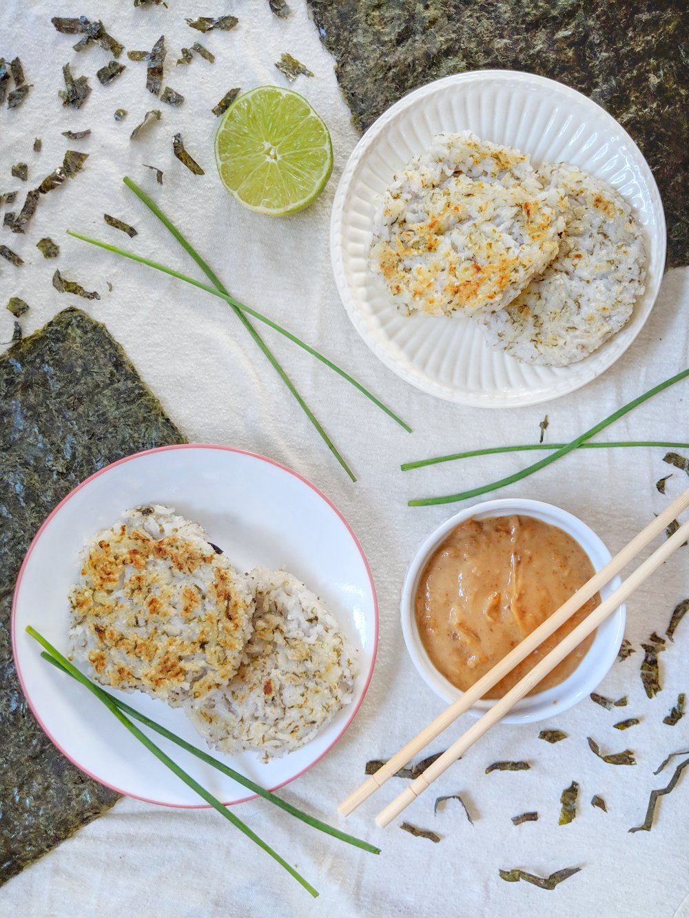 Seaweed Rice Cakes with Peanut Sauce