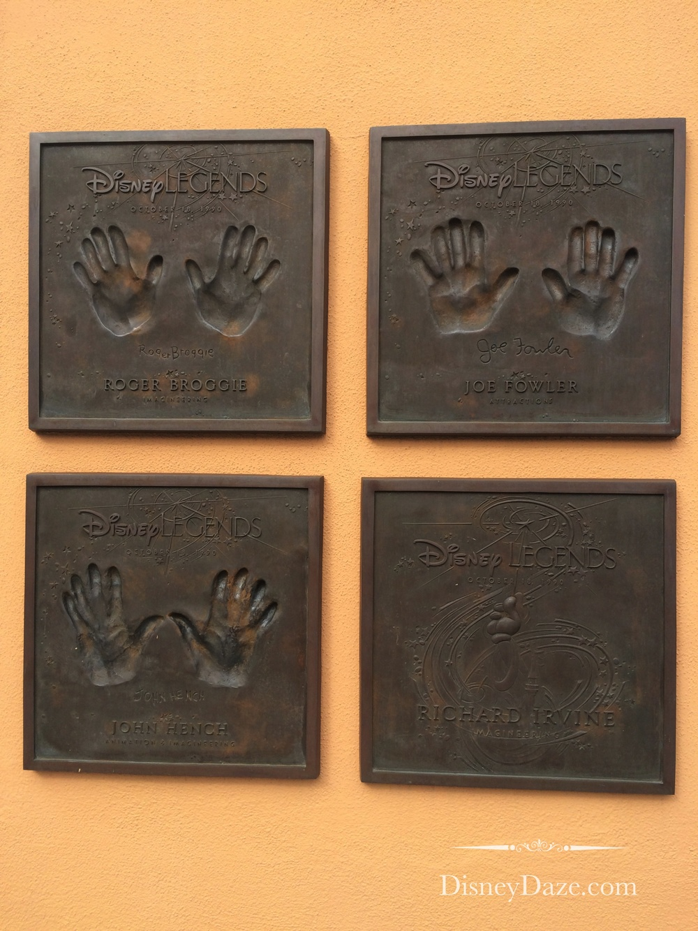 Individuals contributed to design of Disneyland