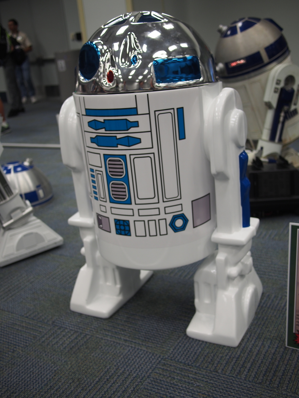 Full scale replica of Kenner R2D2 toy figure