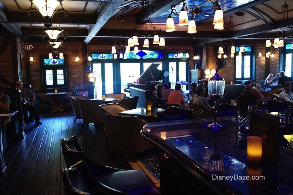 Club bar 2.jpg