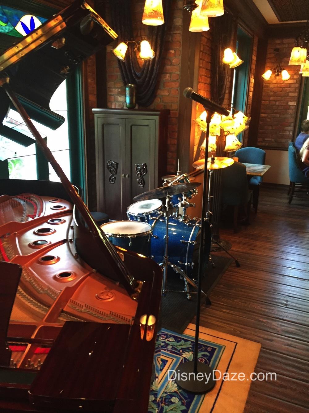 Club bar 5.jpg