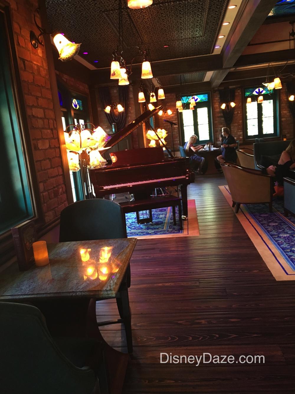 Club bar 4.jpg