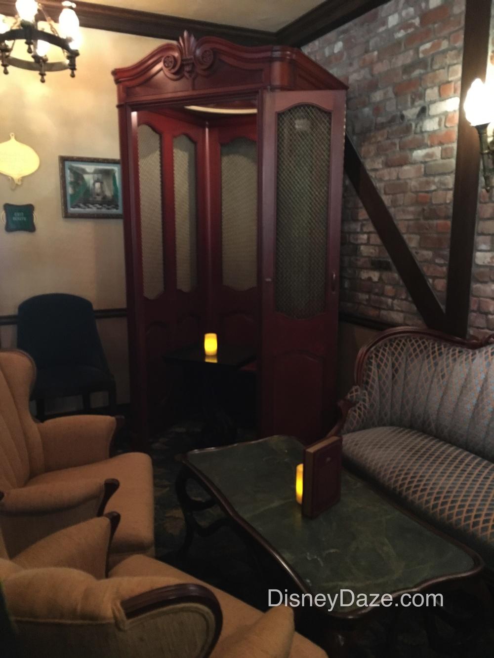 Club elevator 1.jpg
