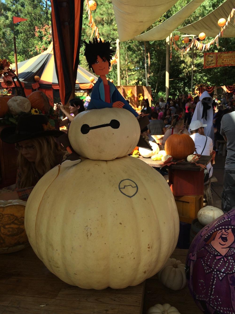 Baymax & Hiro:Halloween Round-up, Disneyland 2014