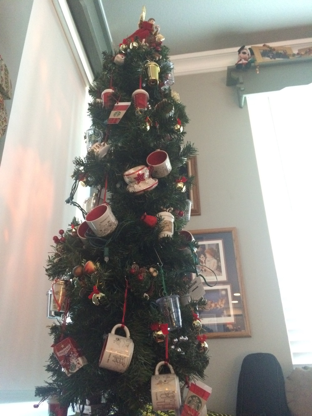 My 2014 Starbucks table top tree
