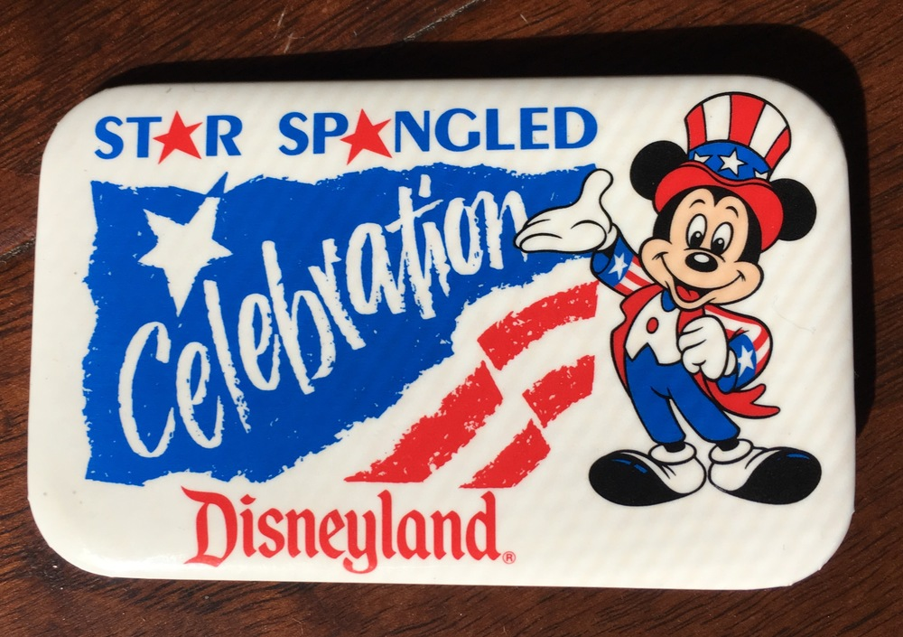 Souvenir Disneyand button