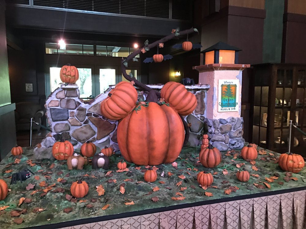 "Halloween Pump-""cake"" at Disney's Grand Californian Hotel & Spa (Lobby)"
