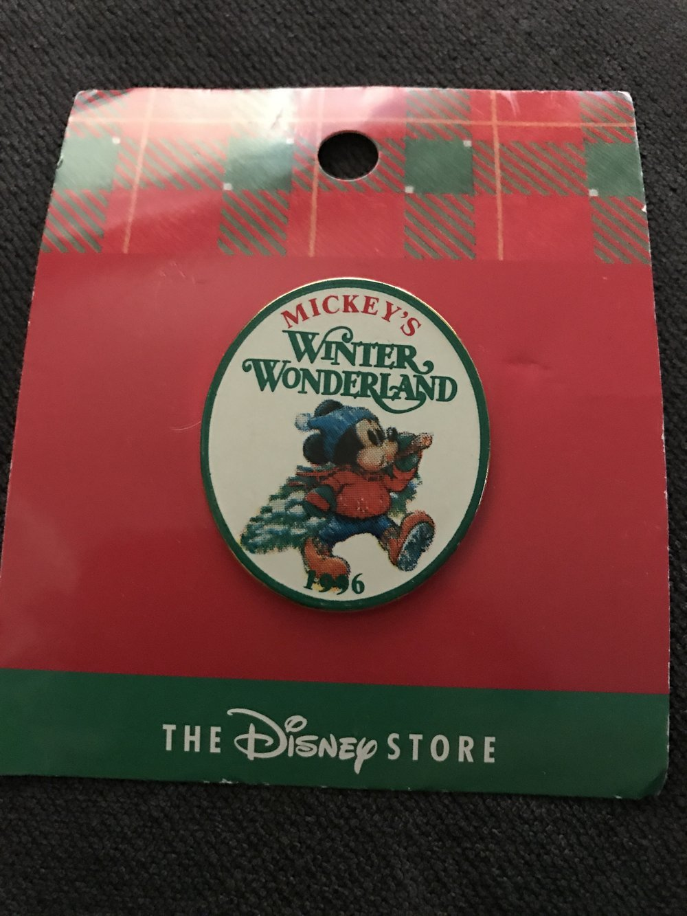 Disney Store Christmas pin - 1996