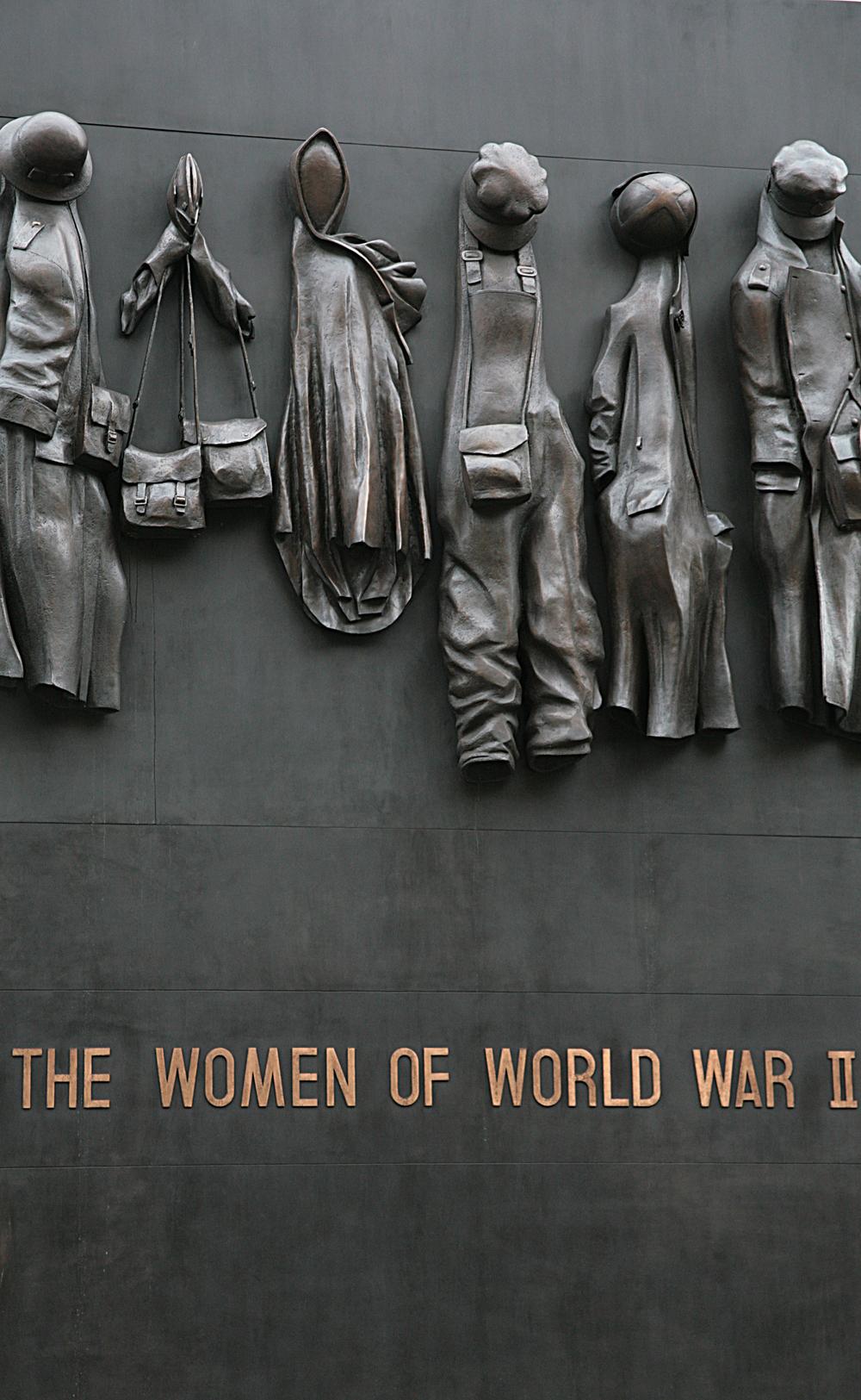 Monument, Whitehall, SW1.jpg