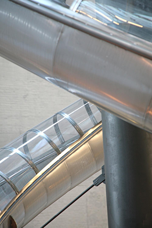 Tube installation, Turbine Hall, Tate modern.jpg