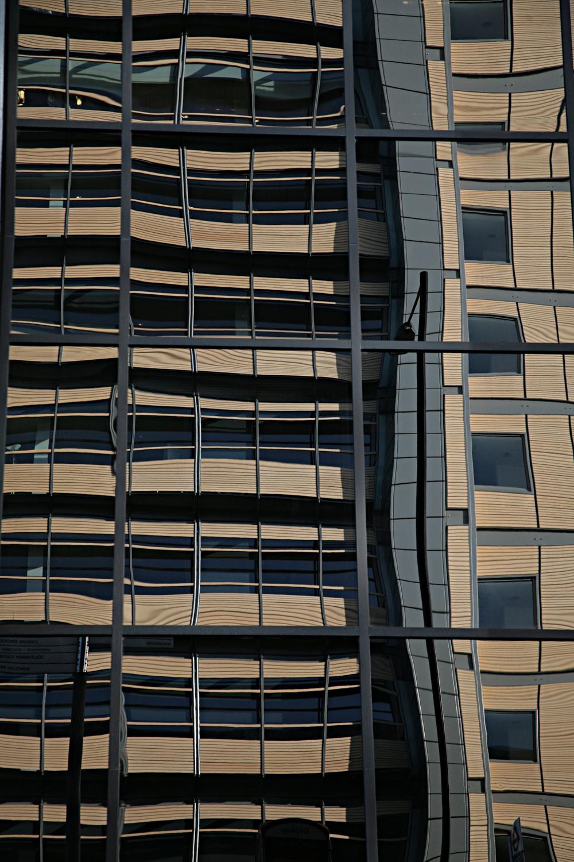 Reflection of building next to Southwark Bridge (Sth Side).jpg