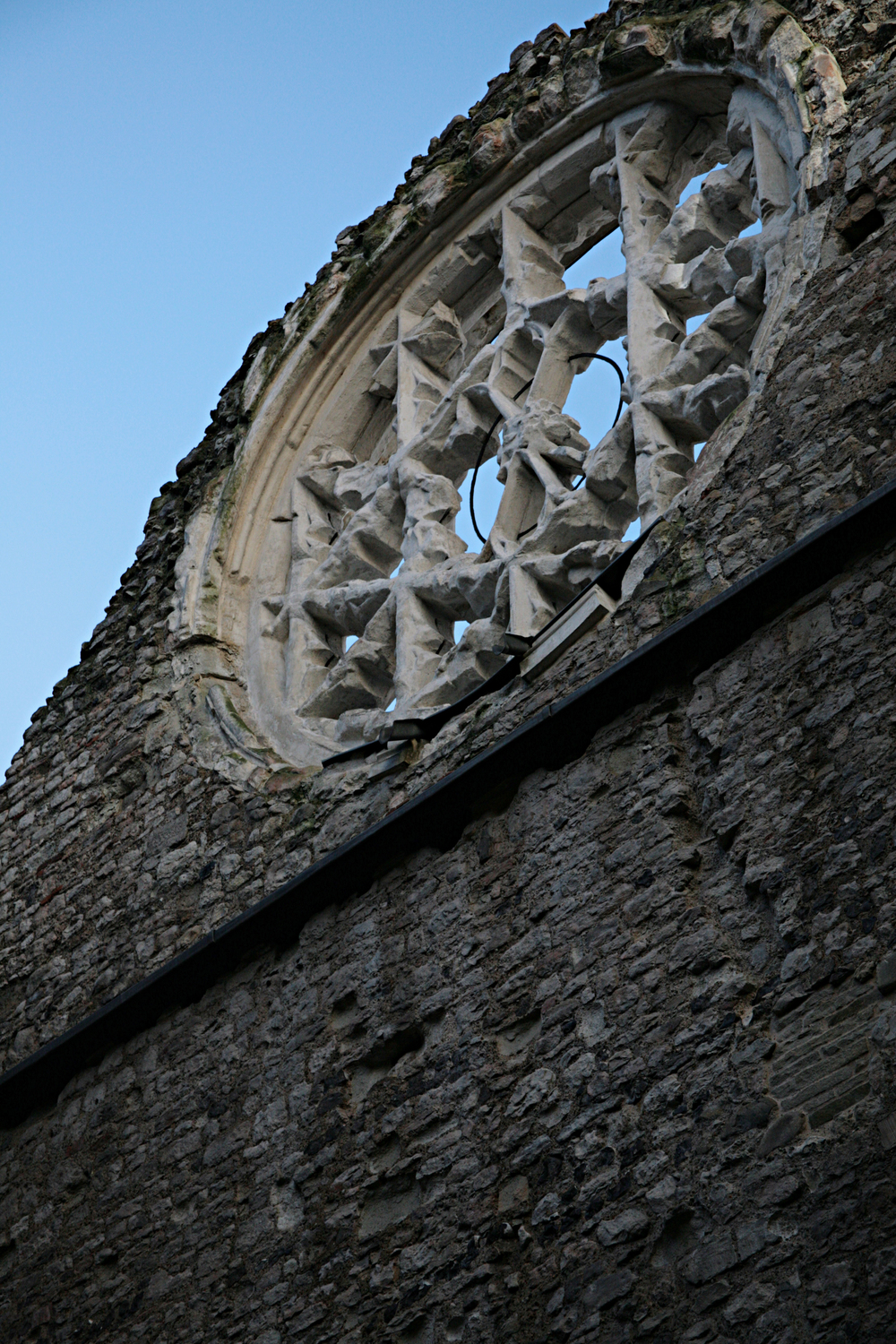 The Ruins of Winchester Palace, Clink St, SE1.jpg