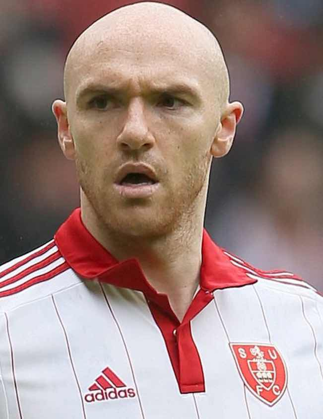 MISFIRING:  Ex-Blade Conor Sammon now on loan at Motherwell from HEARTS.