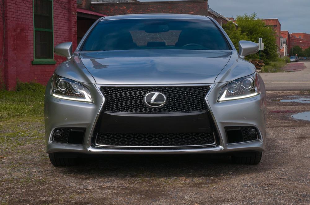 2014 lexus ls460-2.jpg