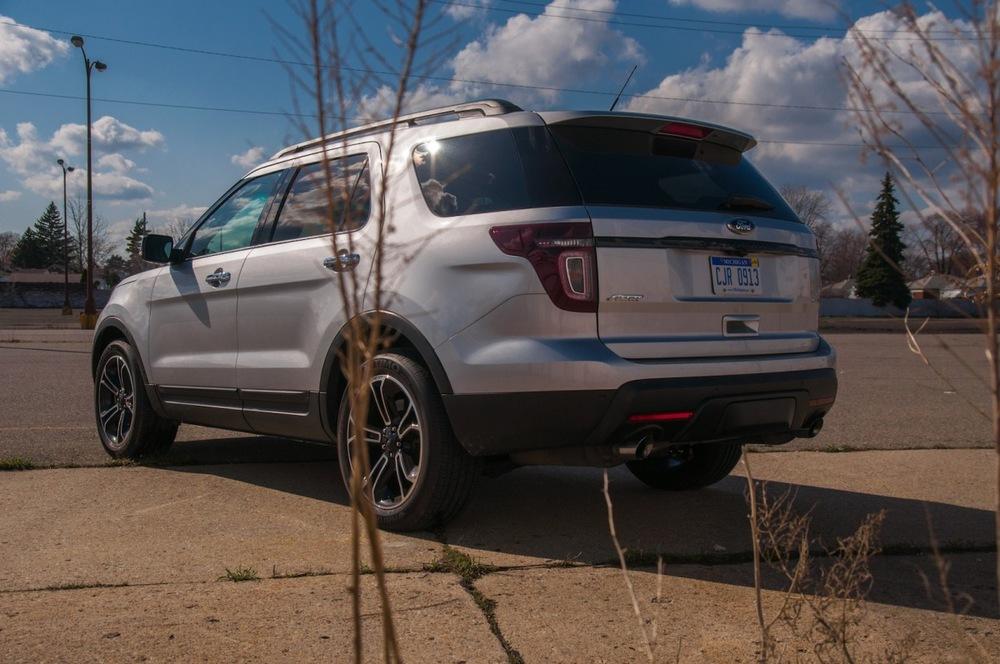 2013 ford explorer sport-4.jpg