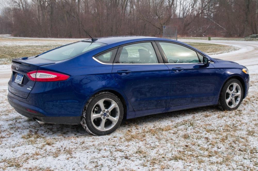 2013 ford fusion-8.jpg